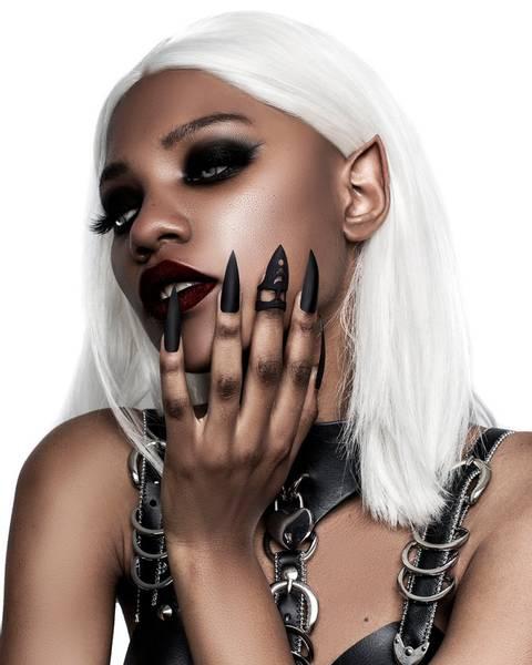 Bilde av Pleasure Claw Ring in Black