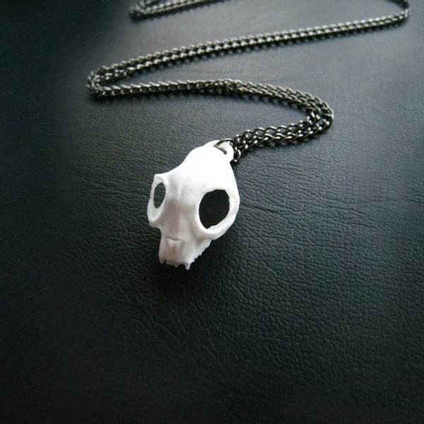 Bilde av Cat Skull Necklace in White