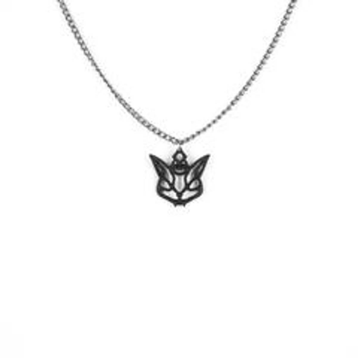Cat familiar necklace