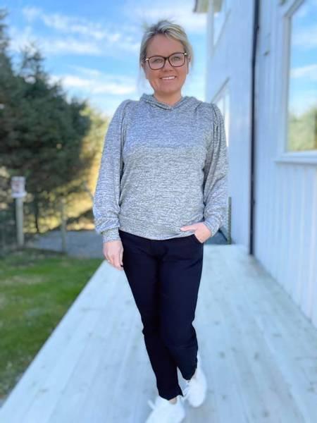 Bilde av Livana Grå