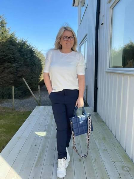 Bilde av Solveig ankel pants blå