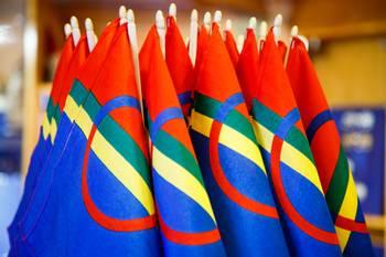 Flagg og klistremerker