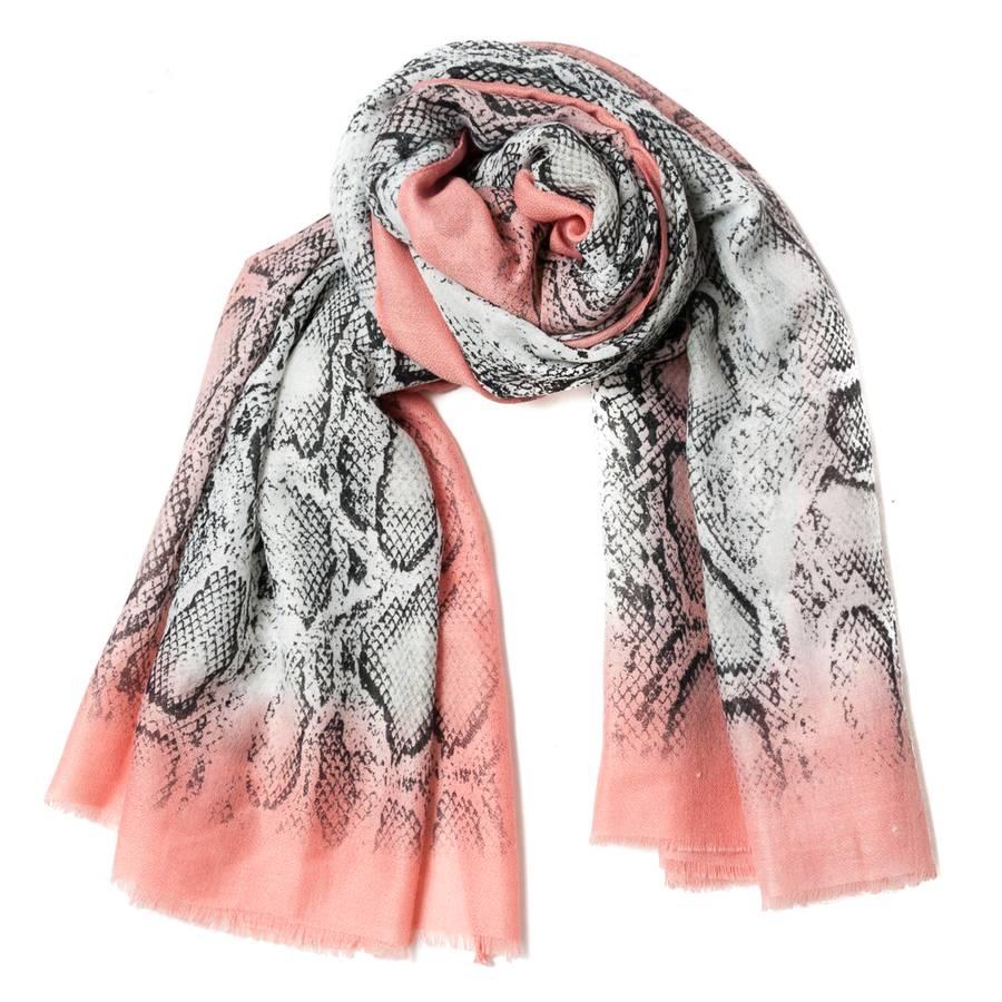 Skjerf med snakeprint - rosa