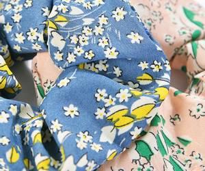 Bilde av 2 blomster scrunchies