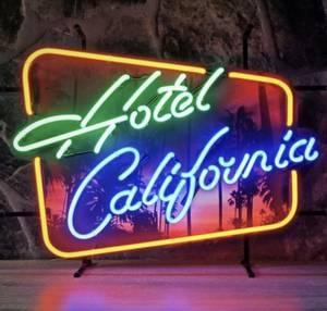 Bilde av Hotel California neonskilt