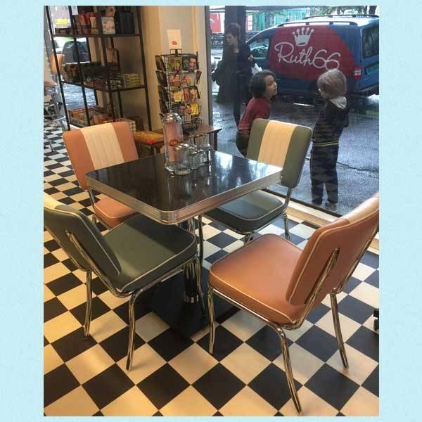 Dinersett med 4 stoler