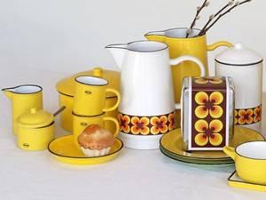 Bilde av Kanne med gule blomster