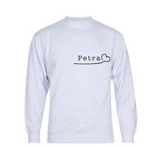 Bilde av Personlig genser med navn og hjerte (grå)