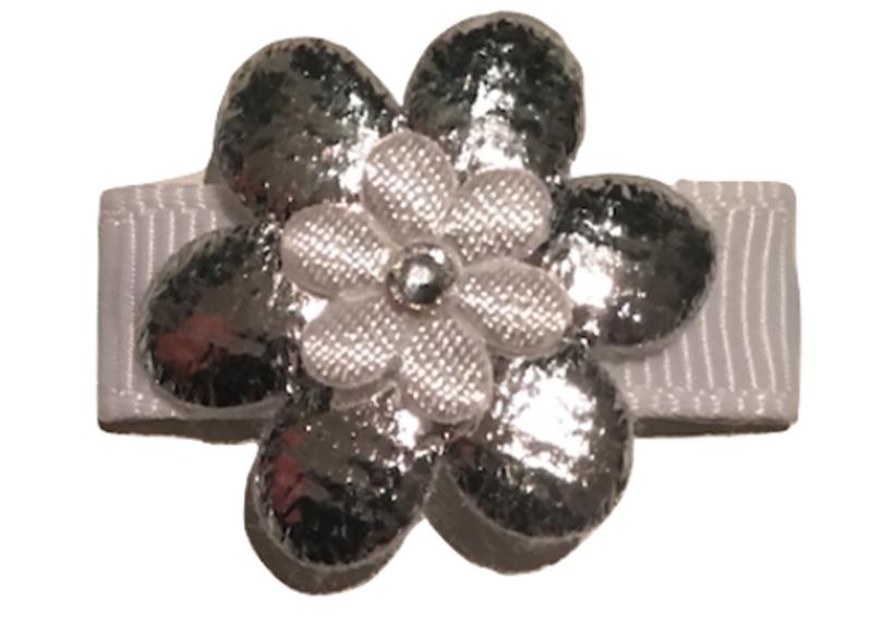 Hårspenne sølv 450, Den lille prikken over i'en
