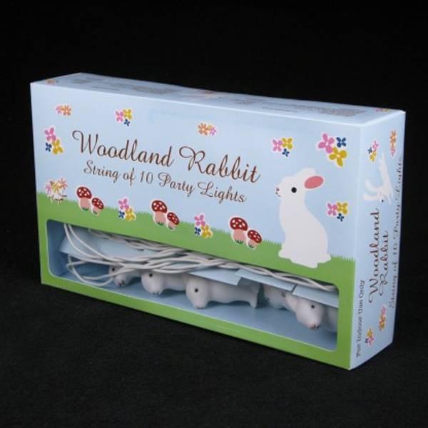 Woodland, lyskjede med kaniner