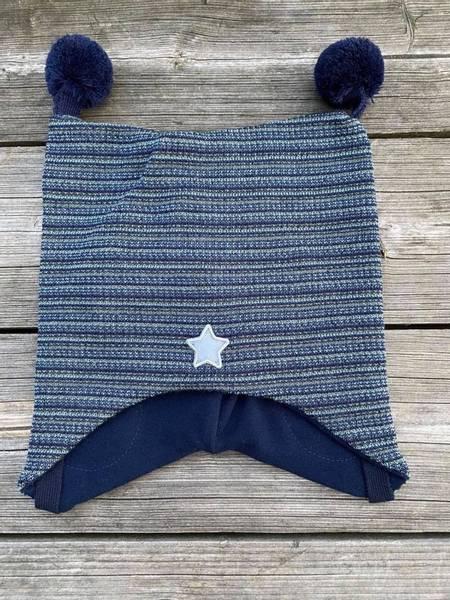 Kivat, blåstripet knytelue i ull med dusker