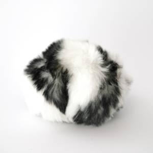 Bilde av Dusk i fuskepels trykknapp 6 cm - hvit/svart