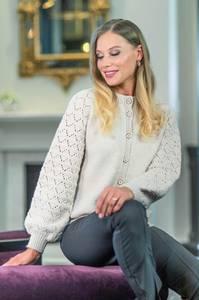 Bilde av Lilje jakke strikket i Merino 22 strikkepakke