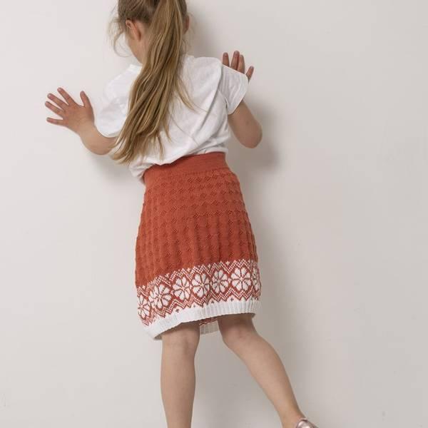 Viking Design 2015 Lydia barn i Bambino garn 2020 katalog**