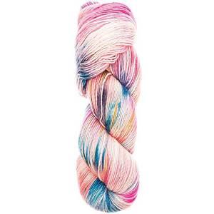 Bilde av Hand Dyed Happiness 004 Pink Blue flerfarget garn