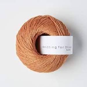 Bilde av Pure Silk Mandarin Knitting for Olive