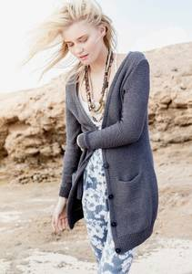 Bilde av 1505-9 Lang jakke i Line fra Sandnes strikkepakke