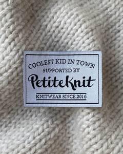 Bilde av Coolest Kid In Town - label PetiteKnit