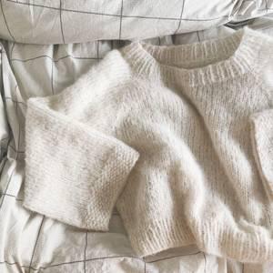 Bilde av Ebba sweater fra NovemberKnits strikkepakke