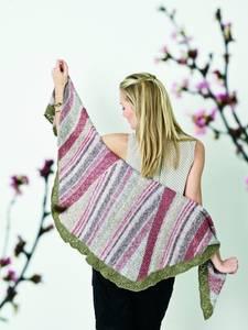 Bilde av 891303 Maja Buet sjal med kanter i Esther Permin oppskrift