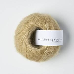 Bilde av Soft Silk Mohair Trenchcoat Knitting for Olive