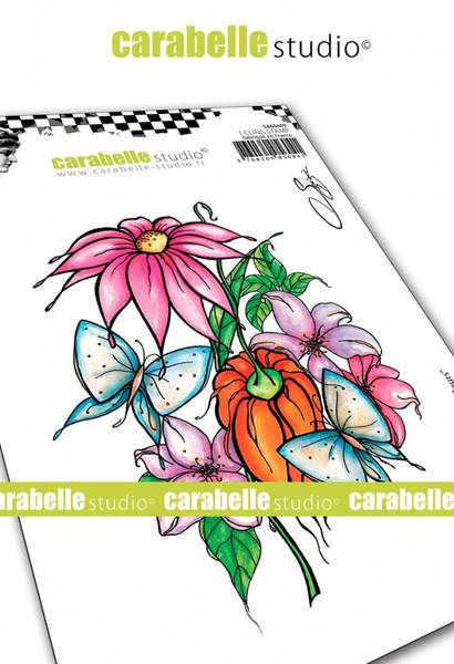 Carabelle - Parmi les fleurs