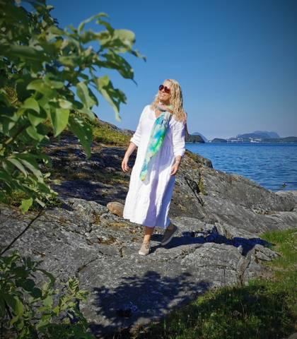 Bilde av NIKKI DRESS - WHITE