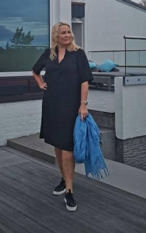 Bilde av EMILY SHORT DRESS- black