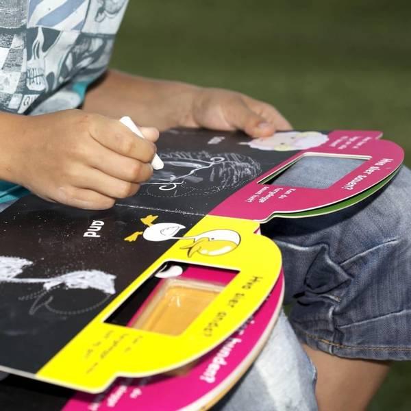 Bilde av KRITTBOK - Skriv, tegn og fargelegg. Kritt følger