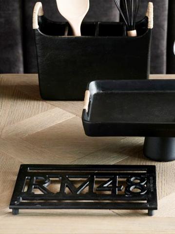 Bilde av RIVIERA MAISON - RM 48 TRIVET BLACK