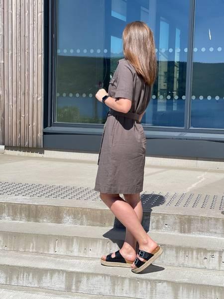 LAVA DRESS  - DUSTY OLIVEN