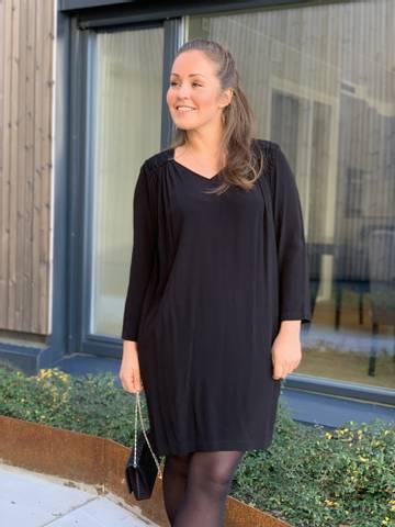 Bilde av MOET DRESS - BLACK