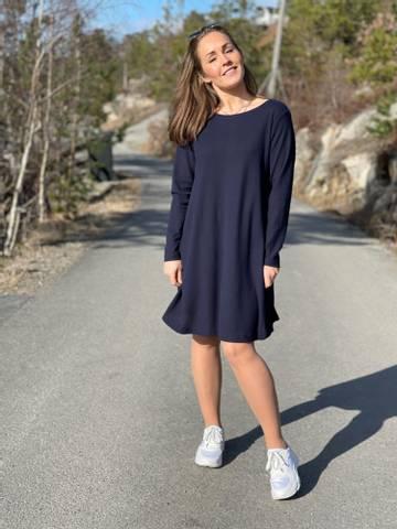 Bilde av ZOE DRESS - NAVY