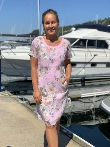 Bilde av SARA LINEN DRESS - SUMMER PINK W/FLOWERS