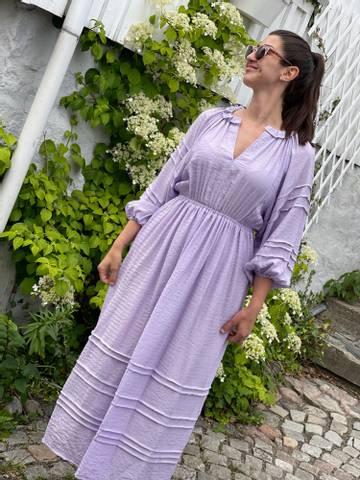 Bilde av LINE OF OSLO - SONJA DRESS PURPLE