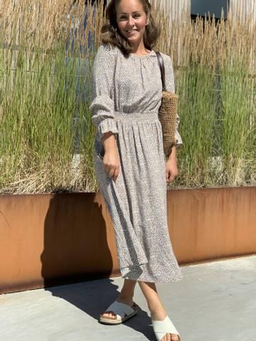 Bilde av VIE DRESS - NOUGAT FLOWER