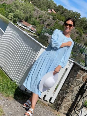 Bilde av ADNEY LONG DRESS  - CHAMBRAY BLUE