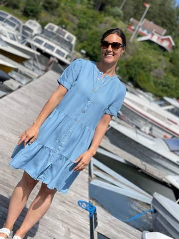 Bilde av ROSIE DRESS - LIGHT BLUE MIX