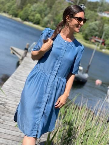 Bilde av ROSIE LONG DRESS - VINTAGE BLUE MIX