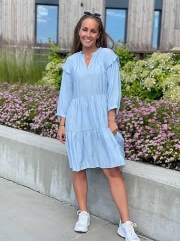 Bilde av HANDI DRESS - LIGHT BLUE