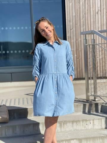 Bilde av DOBBY DRESS PUFF - LIGHT BLUE