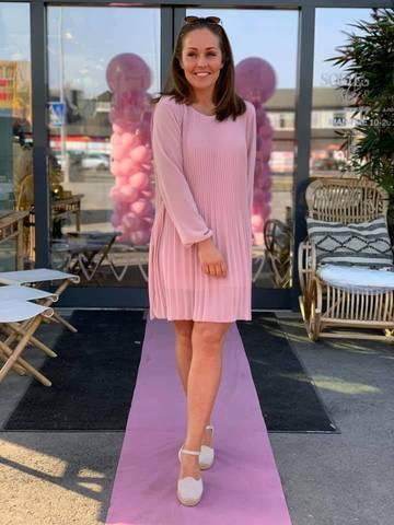 Bilde av CATHERIN DRESS - PINK
