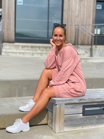 Bilde av LOUISA COLLEGE DRESS - ROSE