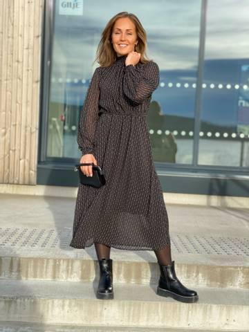Bilde av NUCASSIE DRESS - BLACK