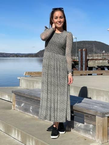 Bilde av LUMi DRESS HAMA - BEIGE SAND MIX