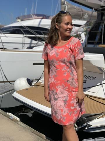 Bilde av SARA LINEN DRESS - CORAL FLOWERS