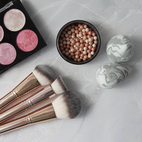 Bilde av Sminkekost - ROSY VIBES - Foundation Brush
