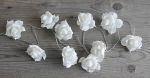 Bilde av Lyslenke med hvite roser, for