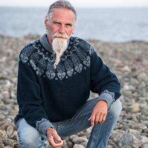 Bilde av Fiskebein herregenser - strikkepakke M-L
