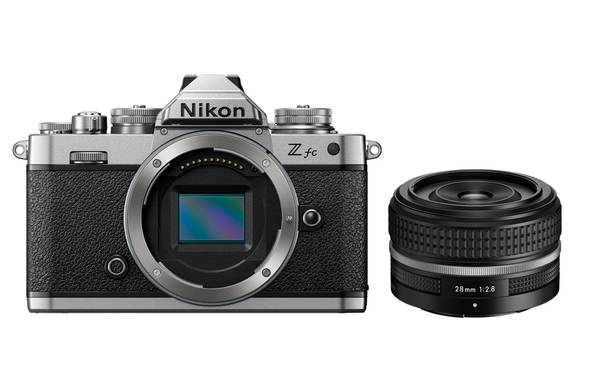 Bilde av Nikon Z fc + 28mm f/2.8 SE